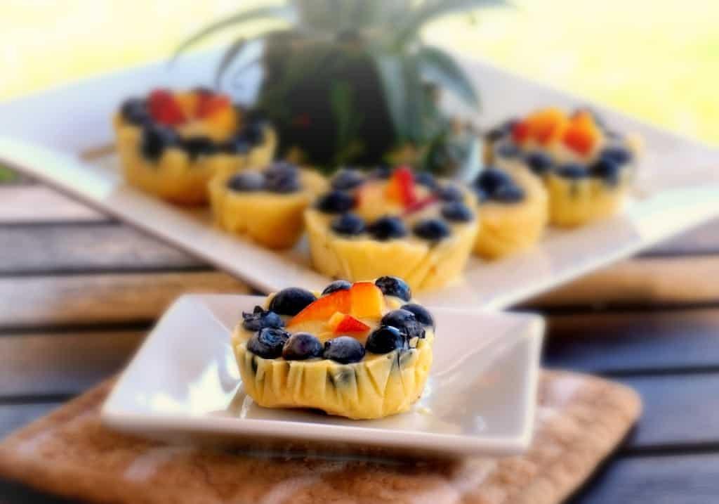 vanilla banana blueberry frozen pie pops