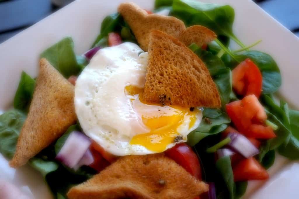 spinach eggs nest salad