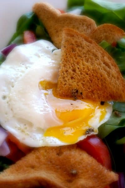 spinach eggs nest salad