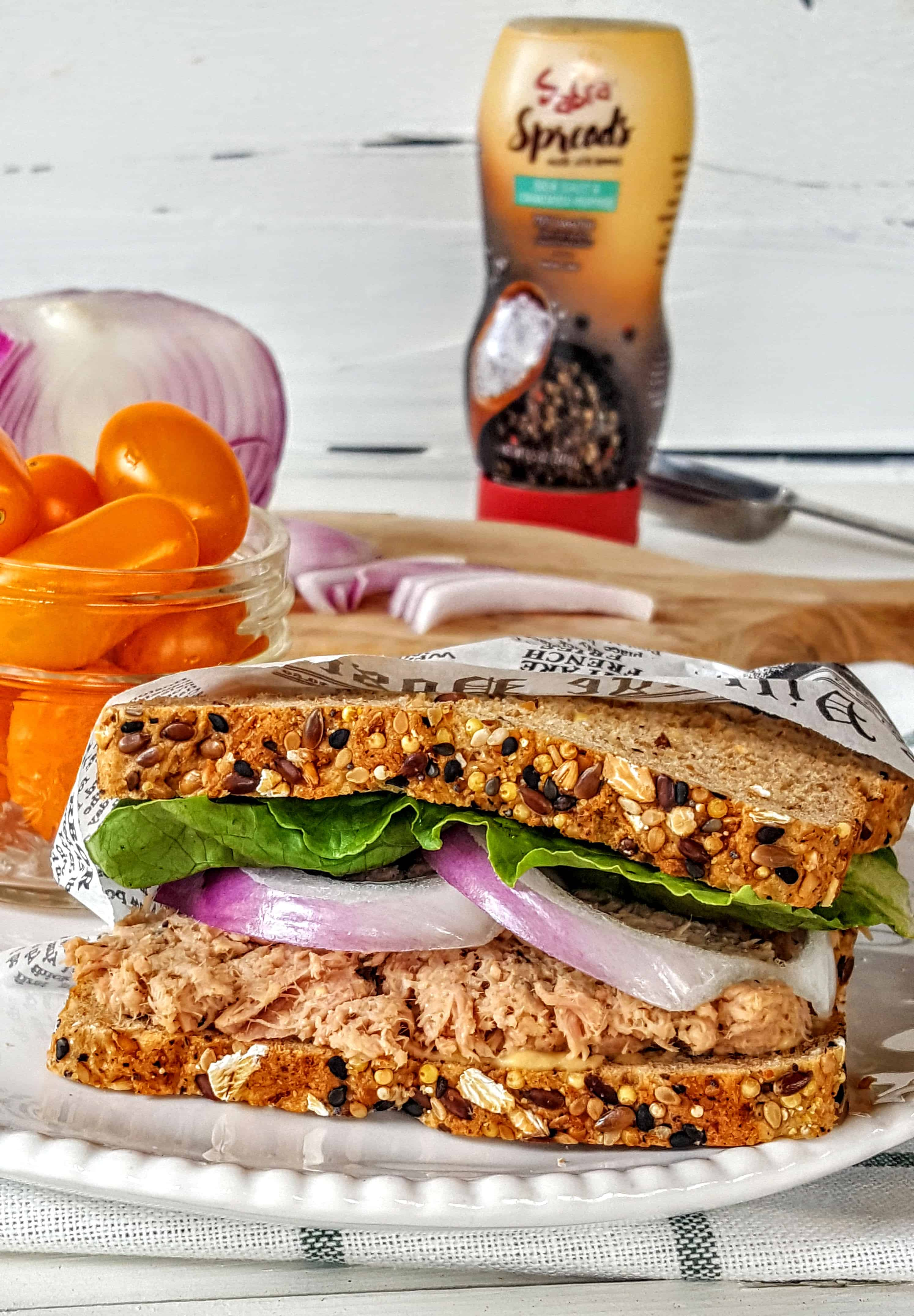 how to make simple tuna salad sandwich