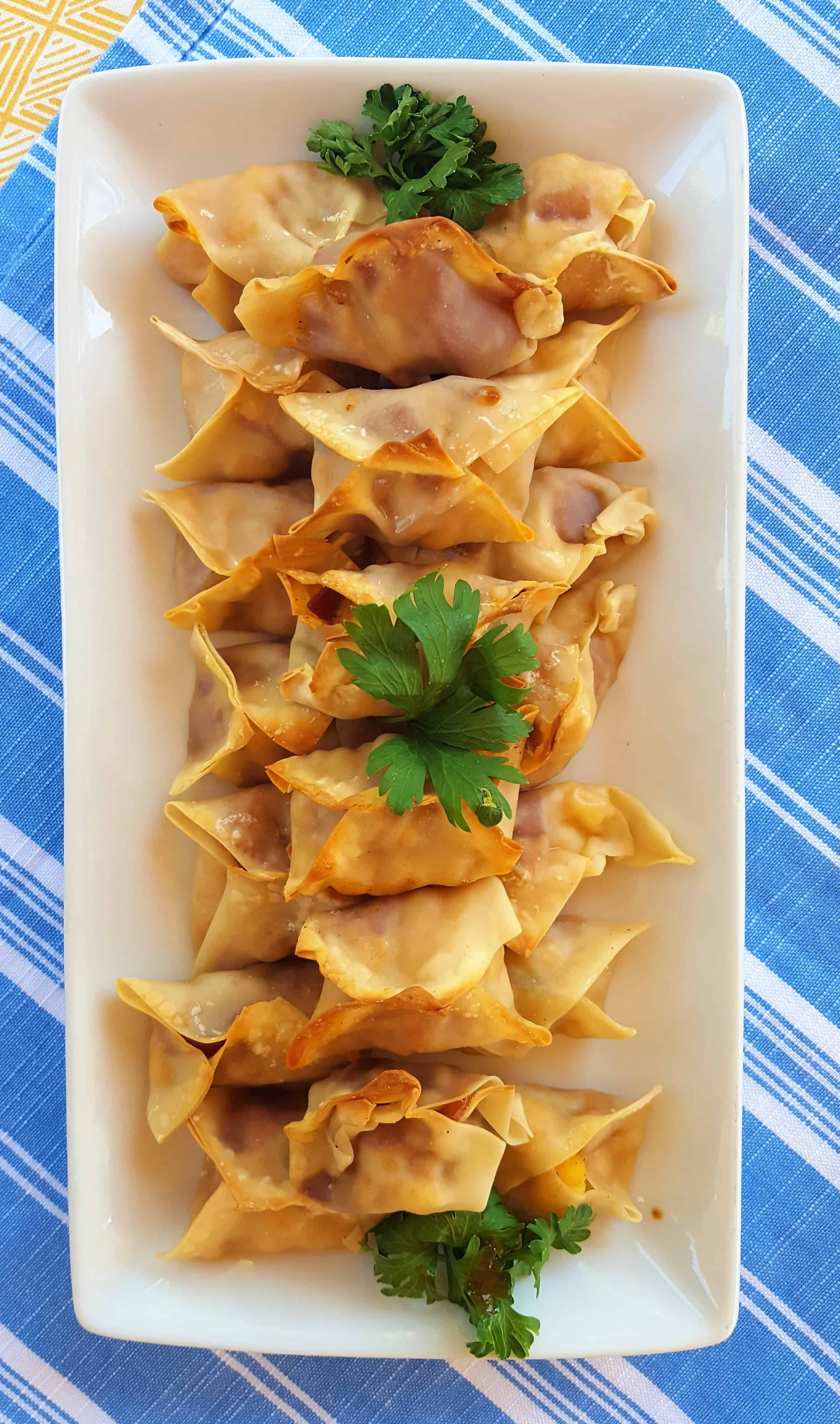 Tex Mex Cream Cheese Wontons @shawsimpleswaps - Easy and simple healthy game day apps with bacon and cheese!