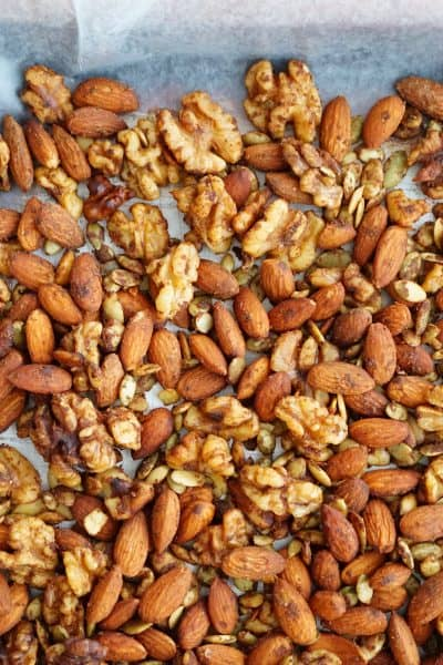 Pumpkin Pie Spiced Nuts - The perfect taste of Turkey Day and Pie that's filled with fiber, protein and love! #ad @shawsimpleswaps