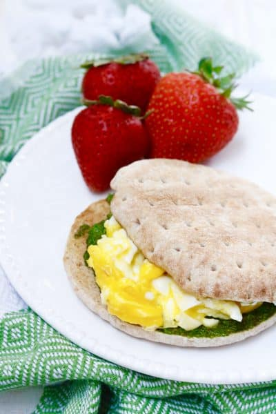 Pesto Breakfast Sandwich + The Protein-Packed Breakfast Club Review @shawsimpleswaps