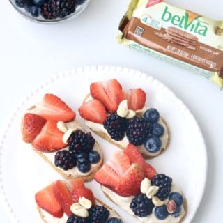 belVita PB Toast with Fresh Berries @shawsimpleswaps