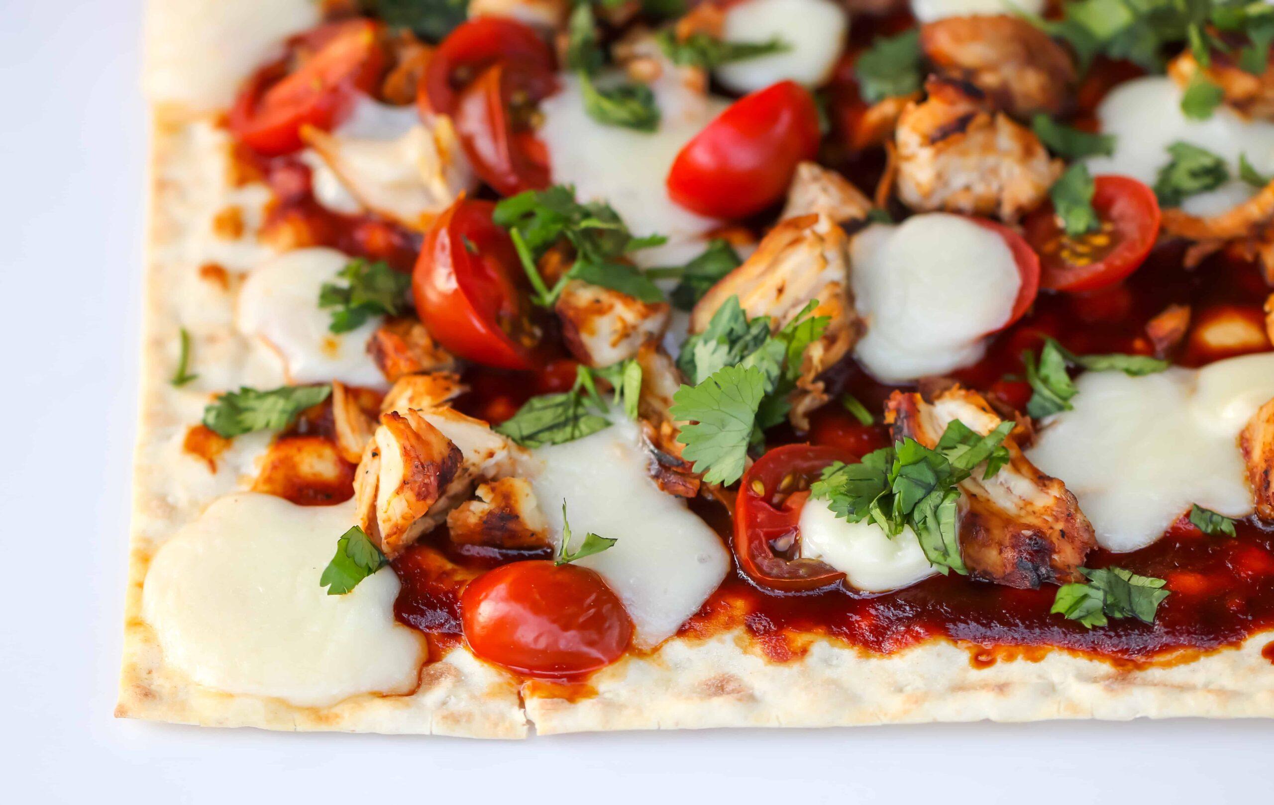 Fridge Friendly Pizzas using California Lavash @shawsimpleswaps #pizza #californialavash