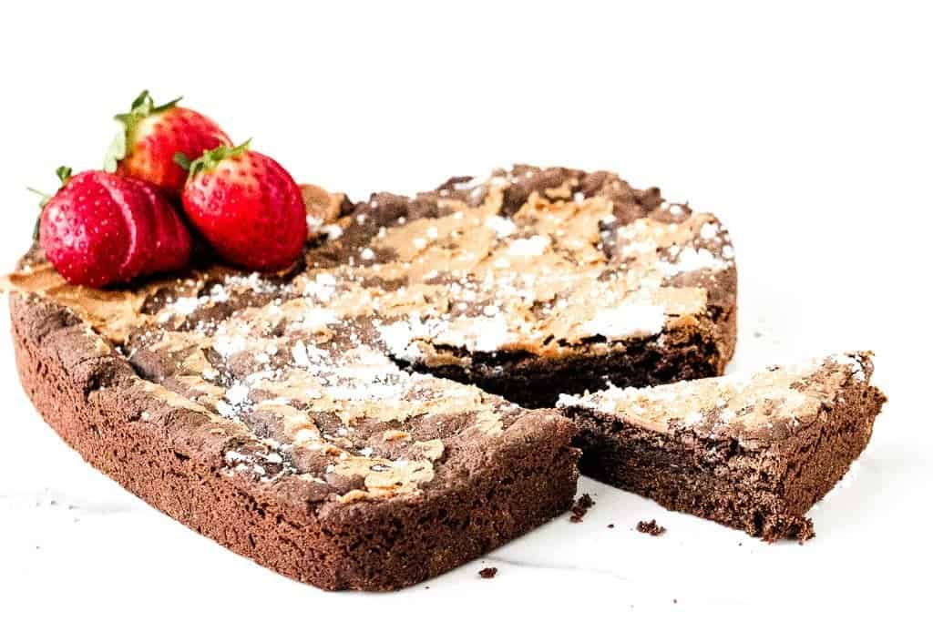 Chocolate Cake Mix Cookie Cake - Reese's Copycat @shawsimpleswaps #simpledesserts #valentinesday #chocolatepeanutbutter #cookiecake #cakemixcookie