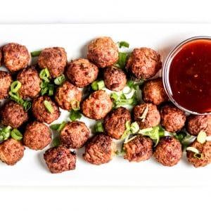 Air Fryer Meatballs - a healthy appetizer to enjoy for a crowd! #airfryerrecipes #airfryermeatballs