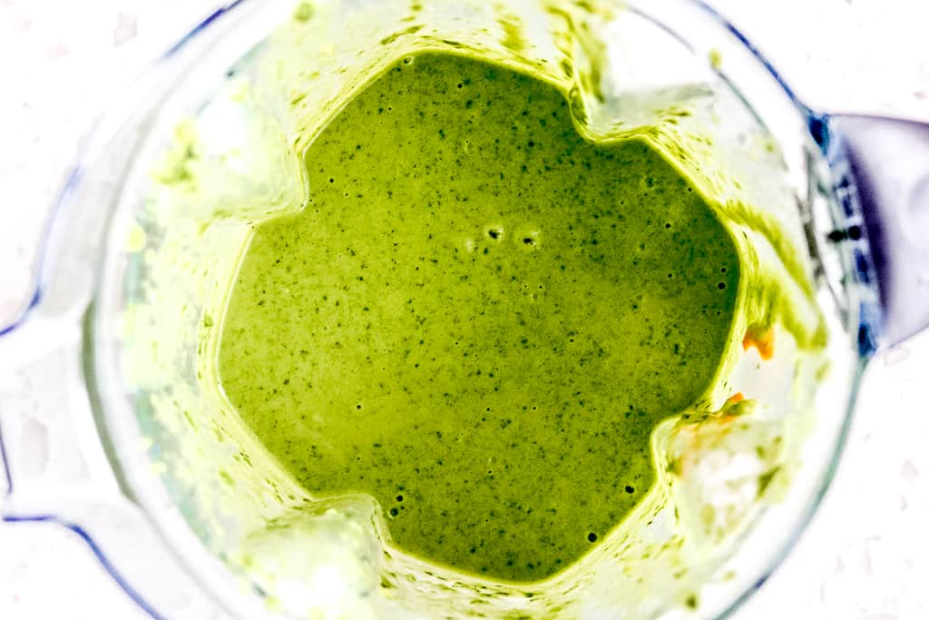 Green Smoothie For Kids - Tired of making green juices that end up in the trash! Then this recipe is for you! As a newly converted green smoothie fan, I promise you this Green Smoothie For Kids is one that the entire family will enjoy... pink promise! #greensmoothie #greensmoothieforkids #spinachsmoothieforkids #greensmoothierecipes