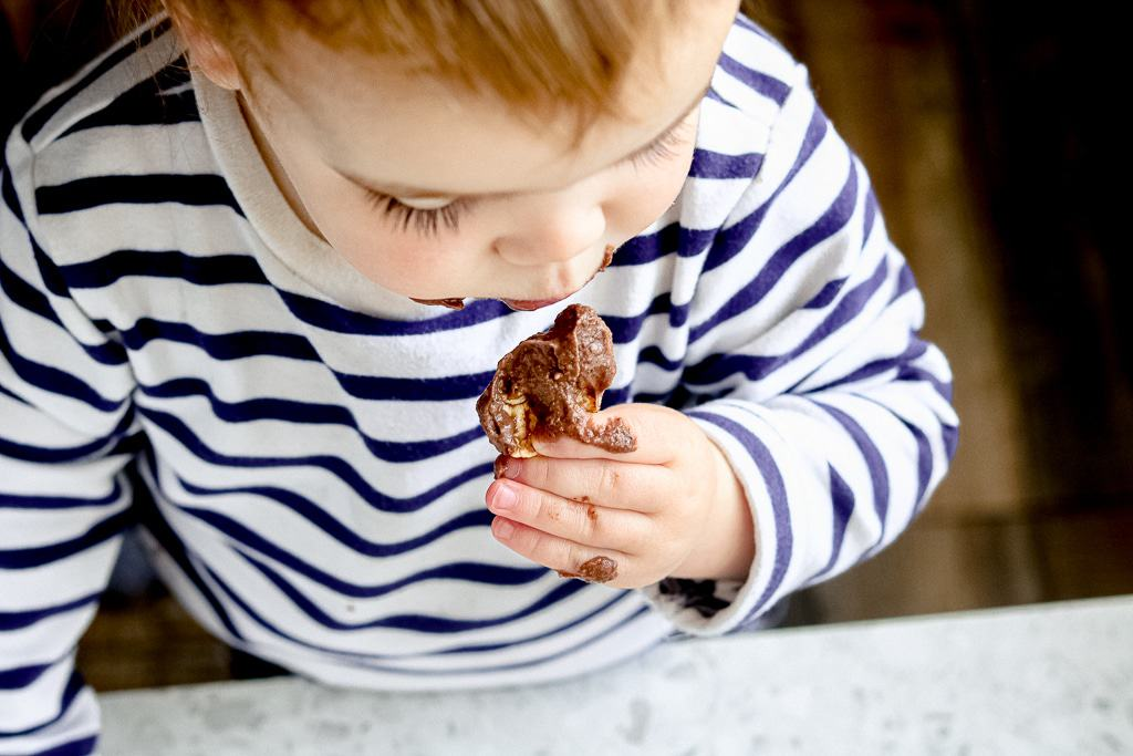 A rich, creamy chocolate dessert dip made with the essential ingredients you likely have on hand! This Sweet Hummus Recipe is the perfect snack or party dip! The beauty of this baby is you can make it all in the blender, aka, no mess clean up!  #desserthummus #desserthummusrecipe #healthydesserthummus #desserthummushealthyrecipe #desserthummuschocolate